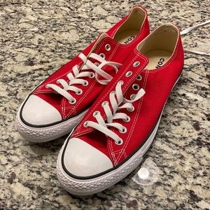 Converse Chuck Taylor All Star low tops (red)